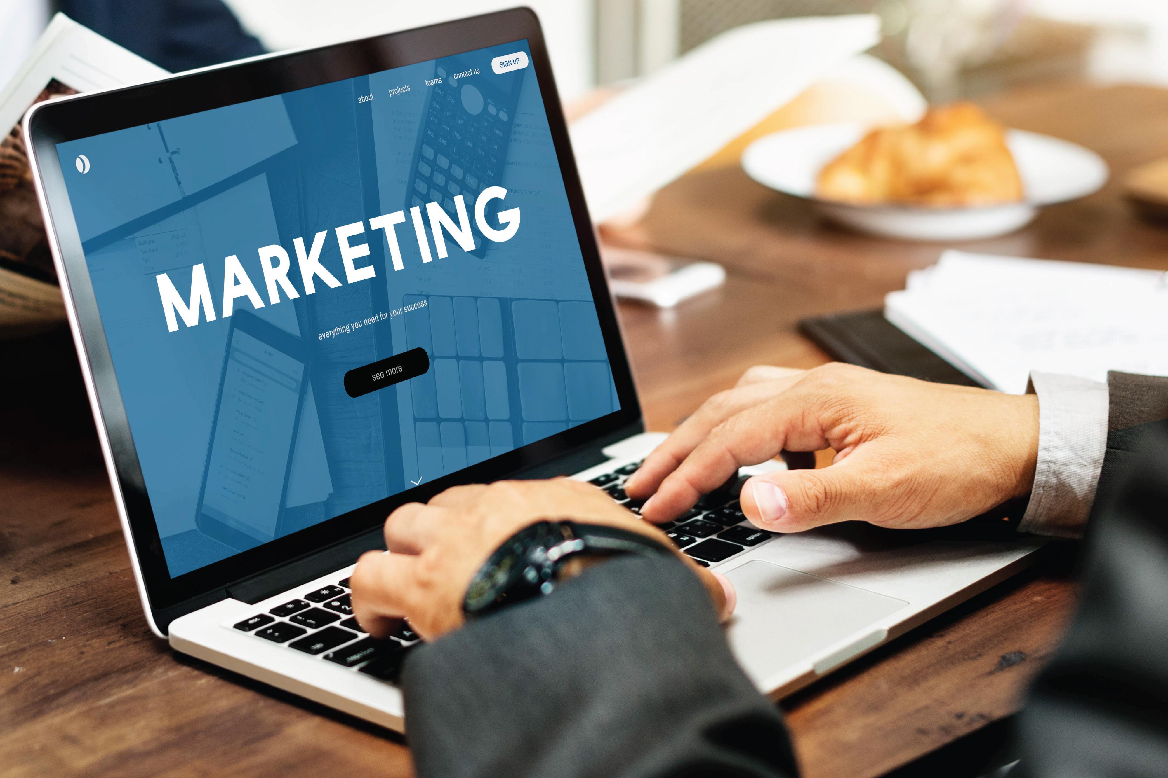 ESCO 2430 Certificazione Specialisti delle vendite, del marketing e delle pubbliche relazioni